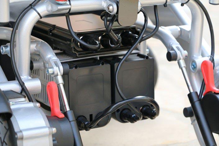 2x batteries Lithium Ion 9 Ah / 24 Volt