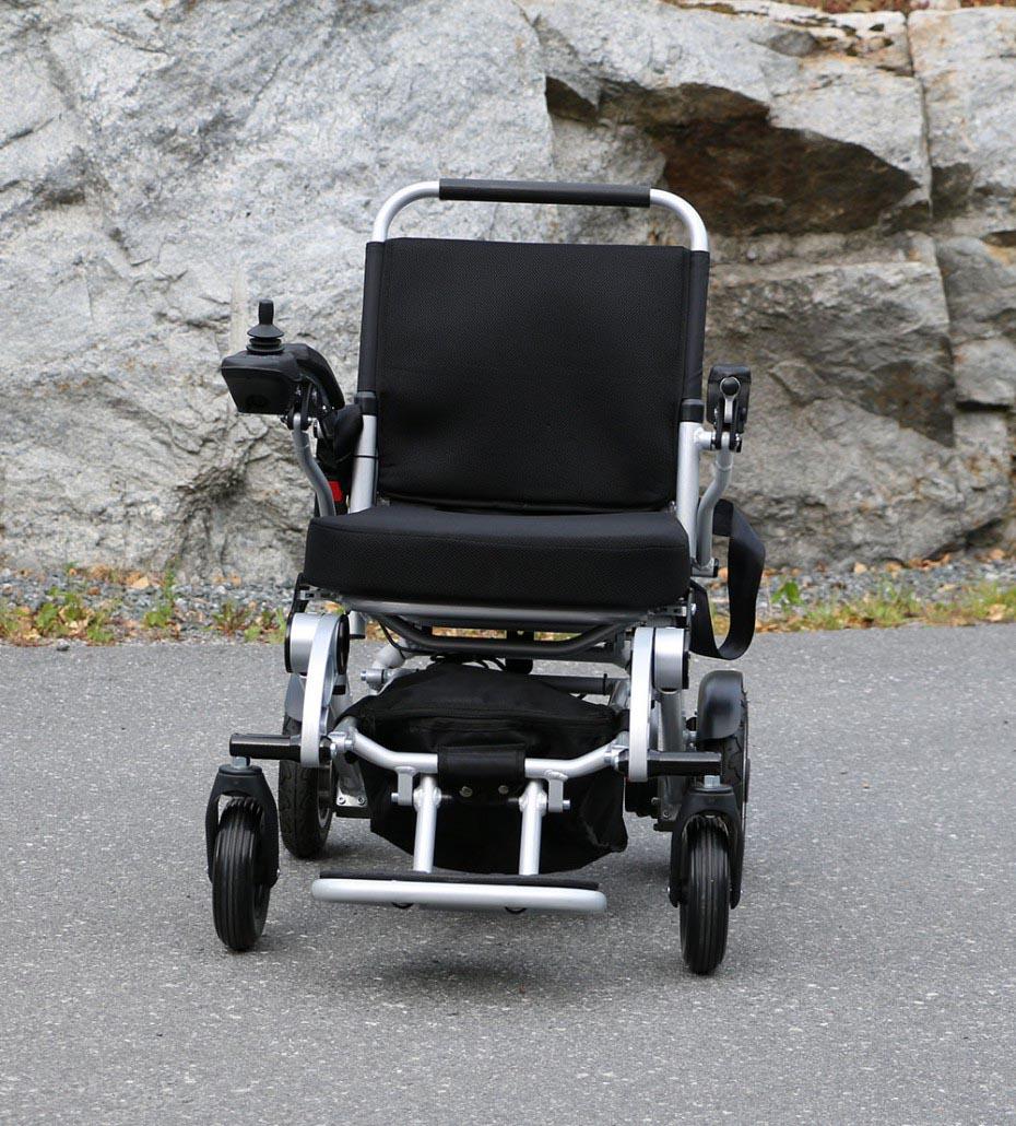 Eloflex est le fauteuil roulant électrique pliable qu'il vous faut