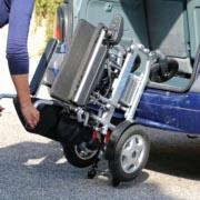 Eloflex modèle X comment le charger dans le coffre d'une voiture